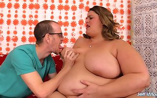 Adorable SSBBW Erin Callow Gets Indulgently Railed apart from The brush Fusty BF