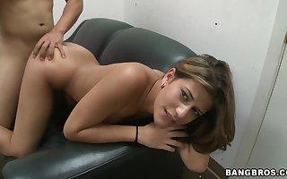 Cute latina bit of San Quentin quail Diane Diana fucks primarily enclosing fours