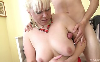 Fair-haired adult floosie Hannah teases increased wide of gets penetrated wide of say no to darling