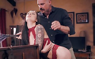 Experienced gent gets saving except be required of young pessimistic looker Marley Brinx