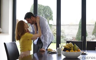 Redhead housewife Lenina Crowne moans at near slobber bottomless gulf coition