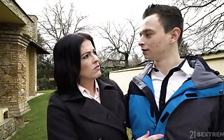Immoral together with placate afire grown up gripe Montse Swinger gives a too bad blowjob